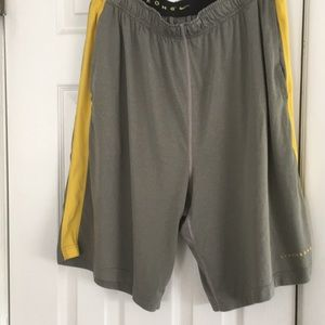 Other - NIKE MENS LIVESTRONG SIZE XL